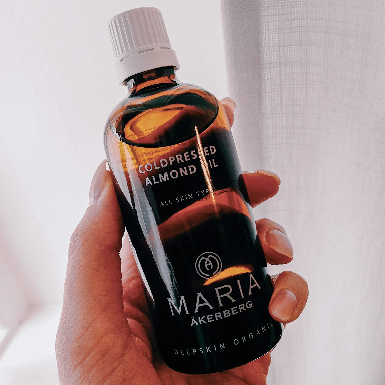 Mandelolja - Maria Åkerberg - Mörka ringar