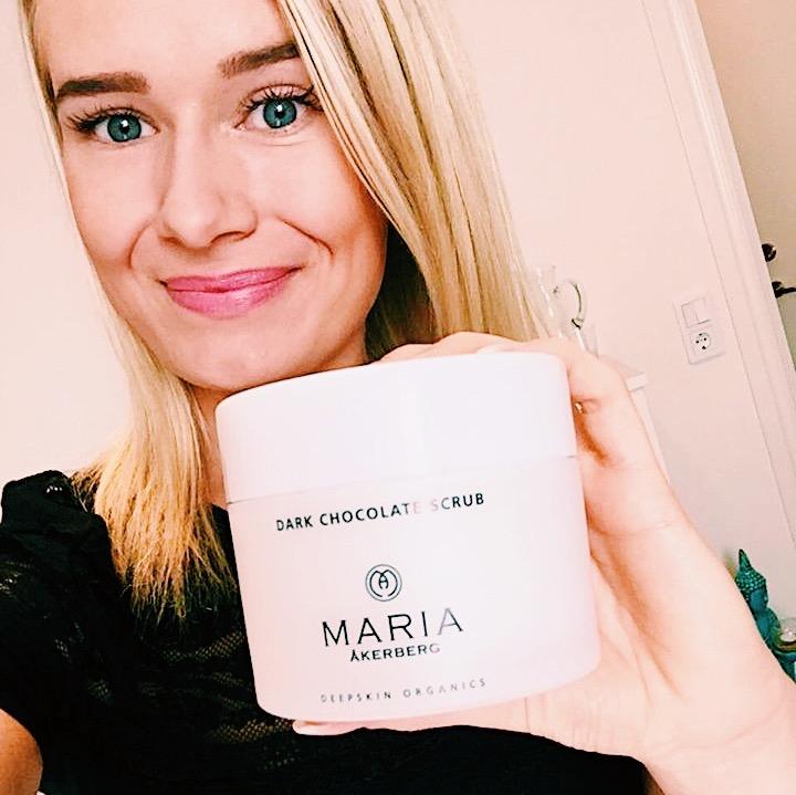 dark chocolate body scrub - Maria Åkerberg