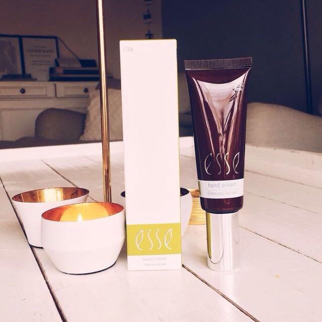 handkräm - Esse Probiotic Skincare