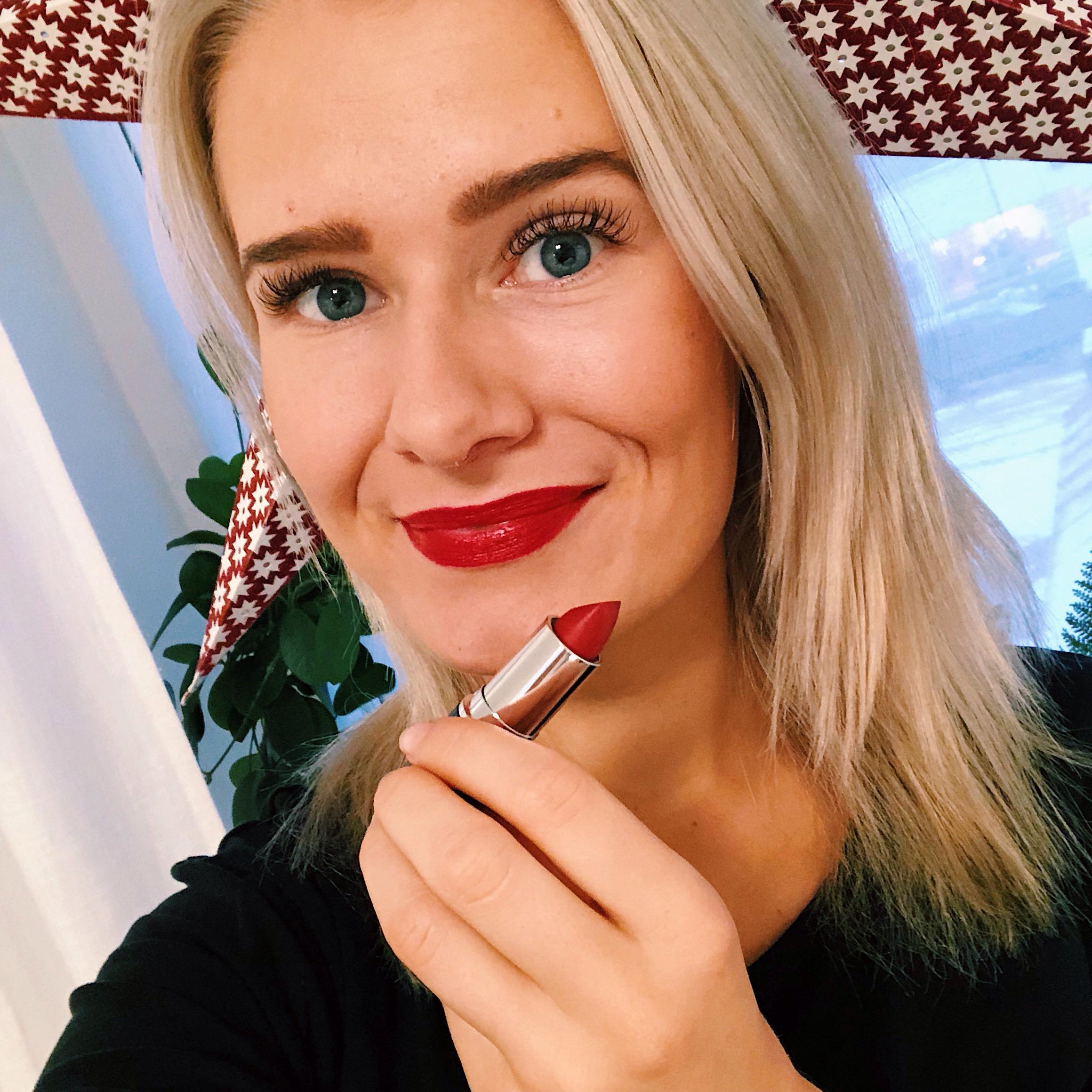 rött läppstift - maria åkerberg