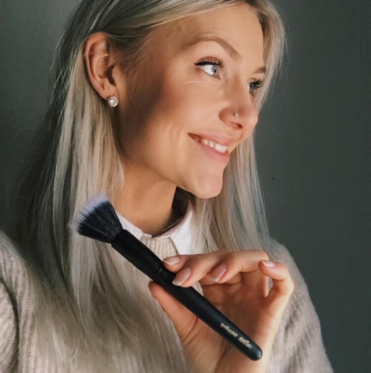 Stippling brush - INIKA Organic